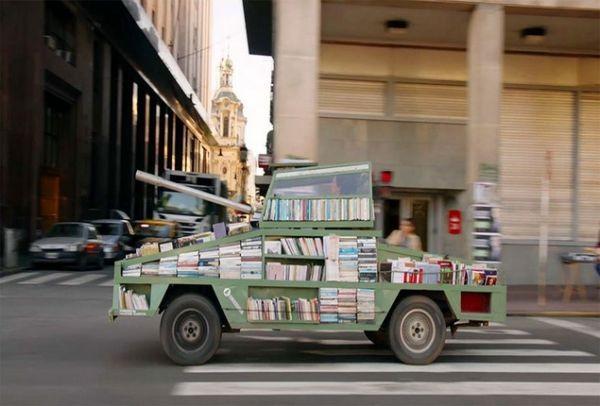 Βιβλία: Τα ισχυρότερα όπλα του πλανήτη! Δείτε τί καταπληκτικό σκέφτηκε ένας... θεότρελος Αργεντίνος! (PHOTOS & VIDEO)