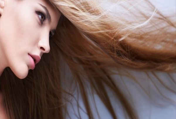 Θες να μακρύνουν γρήγορα τα μαλλιά σου - Αυτές είναι οι 12 φυσικές και  θαυματουργές μάσκες e757cbb27e6