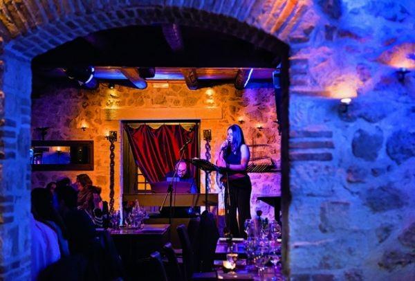 Piedra: Η Λυρική Σκηνή σε ένα... εστιατόριο!