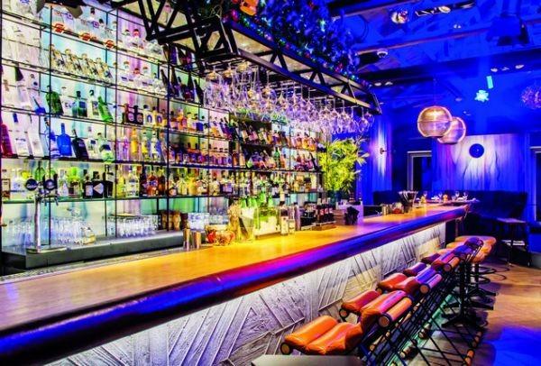 Ένα από τα πιο ιστορικά αρχοντικά της Κηφισιάς που μεταμορφώθηκε σε ένα θαυμάσιο bar restaurant!
