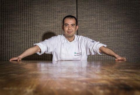 Συνέντευξη - Τόνυ Βρατσάνος: Ο head sushi chef του Matsuhisa Athens στο AthensMagazine.gr