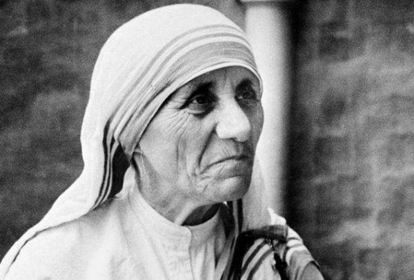 30 αποφθέγματα σοφίας από τη μητέρα Τερέζα