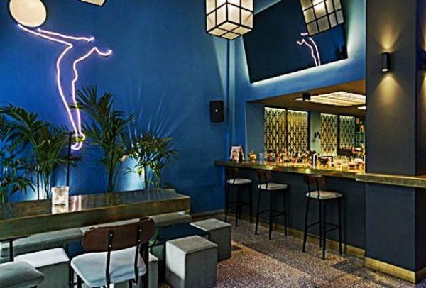 Βγαλμένο από ταινία του Δαλιανίδη! Ένα από τα ομορφότερα vintage bars της Αθήνας!