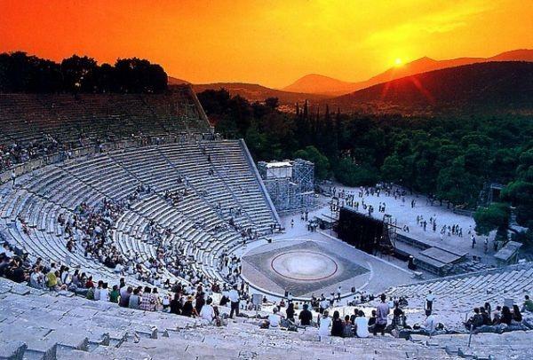 Το γνώριζες; Γιατί το αρχαίο θέατρο της Επιδαύρου έχει τέλεια ...