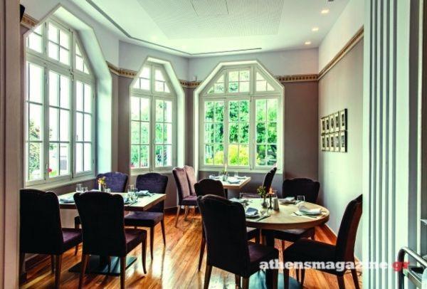 Σε μια μονοκατοικία του 1928 στο Κολωνάκι θα βρεις ένα από τα πιο ιδιαίτερα εστιατόρια της Αθήνας -Το αγαπημένο στέκι του καλλιτεχνικού κόσμου