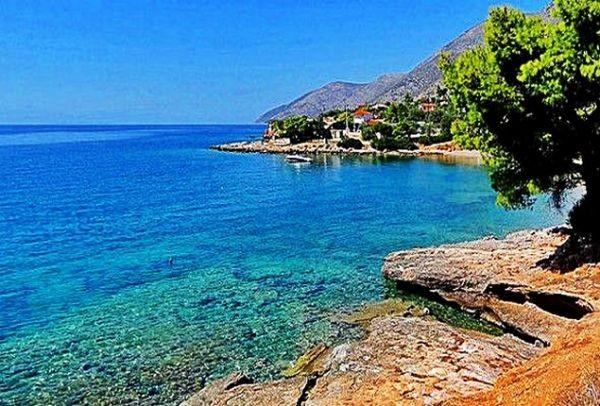 Mια ανάσα από την Αθήνα: 5 Παραλίες για σύντομη και οικονομική απόδραση αυτό το Σαββατοκύριακο! (Photos)