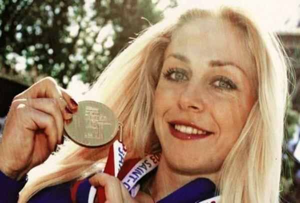 Δείτε πώς είναι σήμερα η Ολυμπιονίκης Μιρέλα Μανιάνι και θα πάθετε πλάκα (PHOTO)