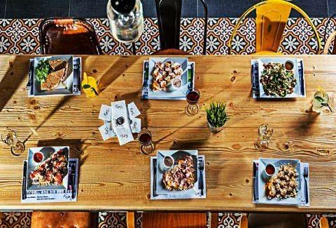 Μελούκ: Oι παραδοσιακοί λουκουμάδες συναντούν ευφάνταστα cocktails στο Χαλάνδρι!