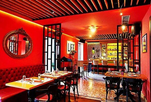 Kong: Cocktails και ασιατικές γεύσεις στο πιο... εξωτικό στέκι του Χαλανδρίου!