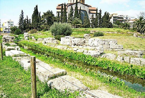 Το γνώριζες; Κάπου στο κέντρο της Αθήνας κελαρύζει ένα ποτάμι!