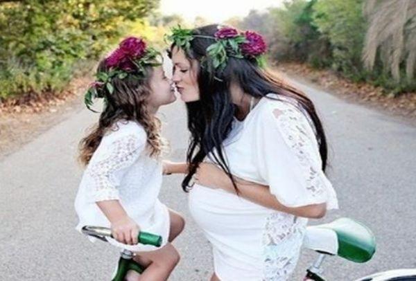 Dating μαμάδες φίλοι κόρη