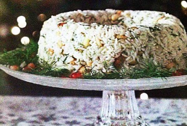 Συνταγές για το Χριστουγεννιάτικο τραπέζι: Βουτυράτο, αφράτο πιλάφι με αμύγδαλα!