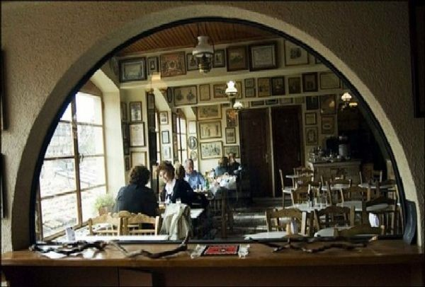 Έκλεισε το πιο ιστορικό καφενείο της Αθήνας
