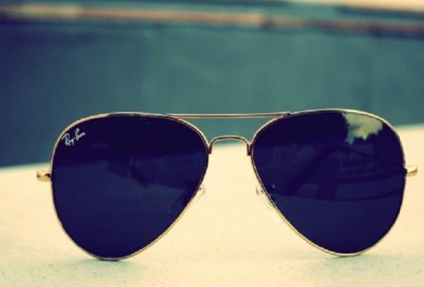 Ανέκδοτο: Ο Γιωρίκας πάει να πάρει γυαλιά ηλίου...