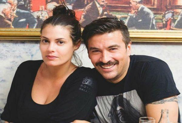 Η απάντηση του Γιάννη Αϊβάζη στην ατάκα του Σάκη Ρουβά για το αν η Μαρία Κορινθίου είναι έγκυος! Δείτε τι είπε ο ηθοποιός…
