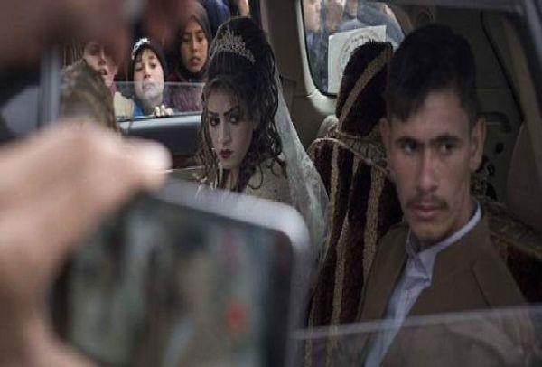 Η θλιμμένη νύφη της Μοσούλης: Ένας διαφορετικός γάμος μέσα στον πόλεμο (Photos)