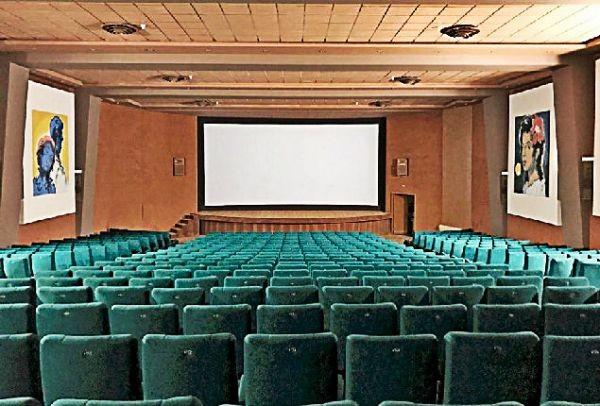 Η νέα εποχή ξεκινά: Πότε ανοίγουν ξανά οι πανέμορφοι κινηματογράφοι της Αθήνας, «Αττικόν» και «Απόλλων»