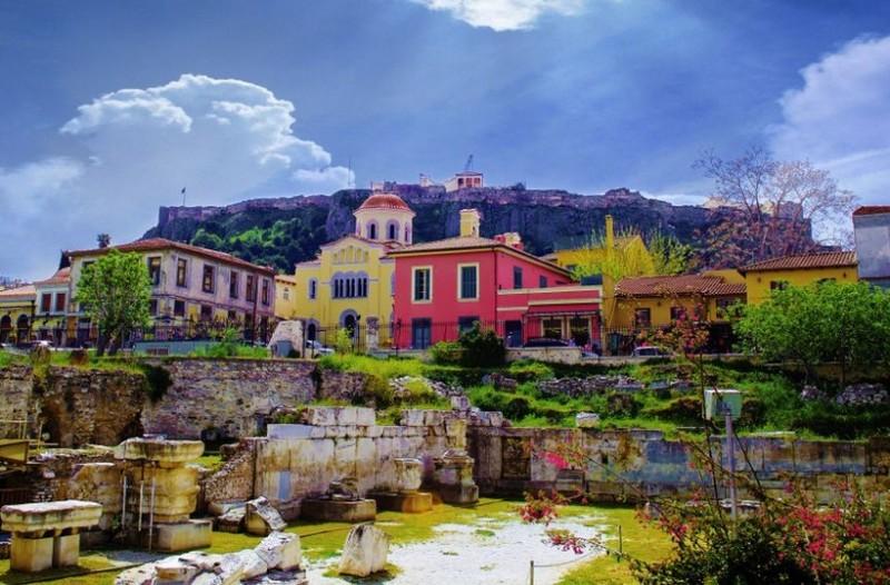 Γιατί η Αθήνα αποτελεί τον καλύτερο προορισμό για όλους τους τουρίστες; Τα 8 μαγαζιά που πρέπει να επισκεφθείς