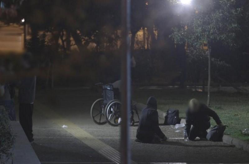 Μπήκαμε στην πιο επικίνδυνη πιάτσα της Αθήνας: Εκεί όπου διακινούνται τα πιο σκληρά ναρκωτικά και η πιο