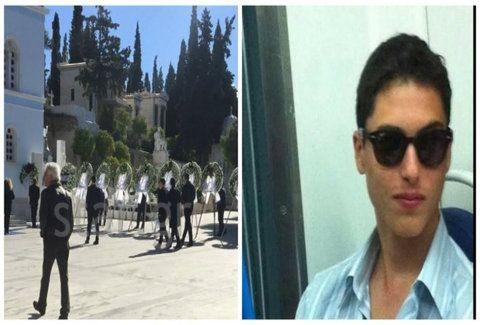 Τσάκισε καρδιές: Η λεπτομέρεια στο φέρετρο του αδικοχαμένου Ανδρέα Γεωργακόπουλου που προκάλεσε ανατριχίλα! (Photos)