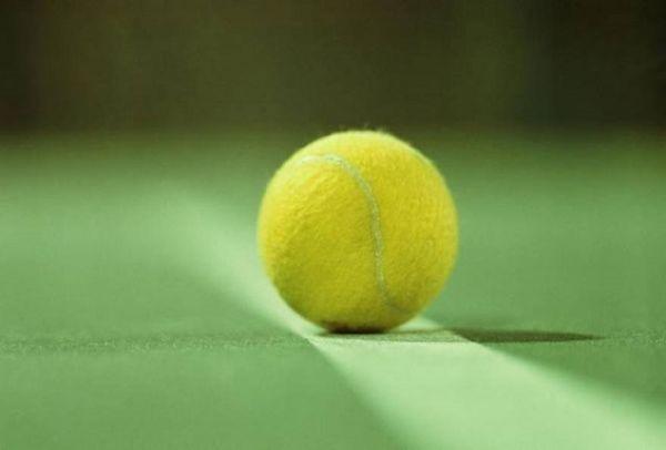 Το γνωρίζατε; Γιατί πρέπει να έχετε ένα μπαλάκι του τένις όταν ταξιδεύετε;