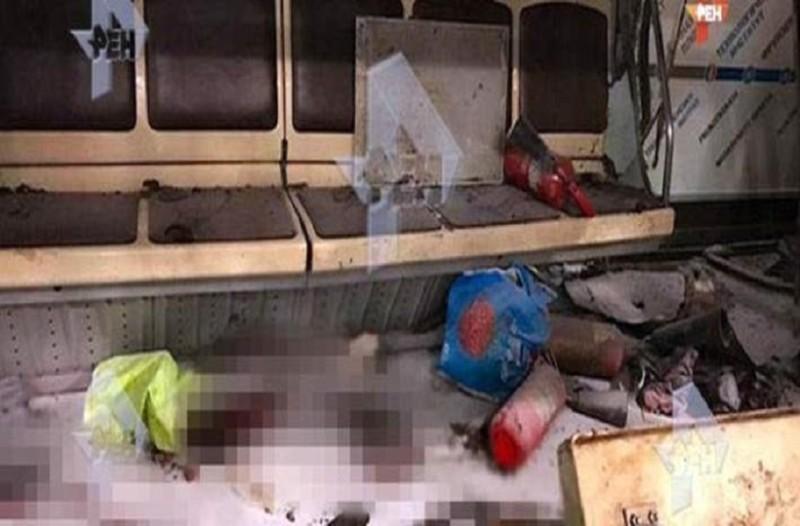 Σπαραγμός: Φωτογραφίες - σοκ μέσα από το βαγόνι που έγινε η φονική έκρηξη στην Αγία Πετρούπολη!