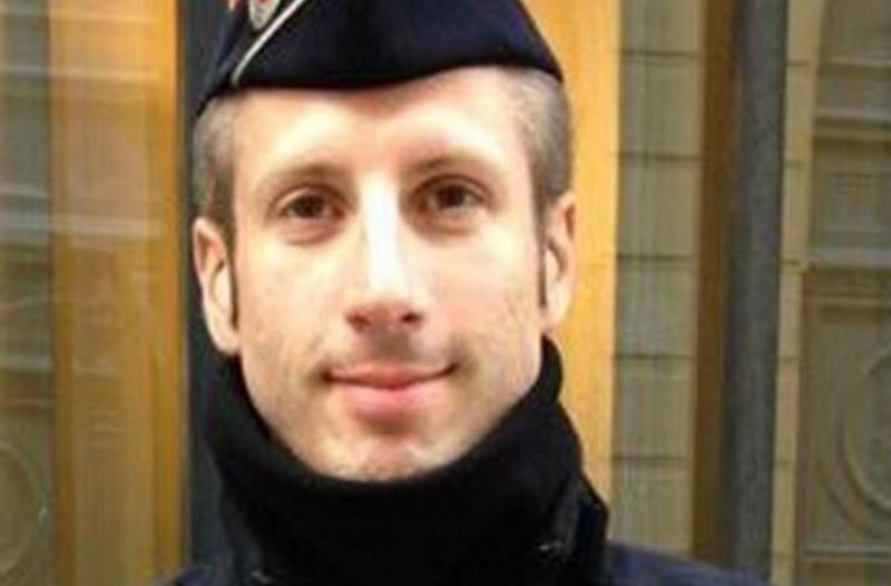 Το τραγικό παιχνίδι της μοίρας για τον αστυνομικό που έχασε τη ζωή του στο Παρίσι