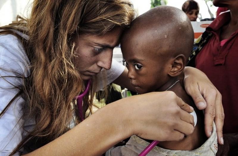 Αντιγόνη Καρκανάκη: Ένα υπέροχο κορίτσι από την Κρήτη που παράτησε τα εύκολα για να σώζει ζωές σε όλο τον πλανήτη (photos)