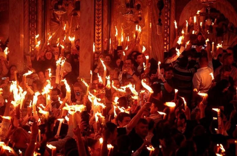 Πόλεμος για το Άγιο Φως: «Έρχεται ένα αντικείμενο, η φωτιά, το Άγιο Φως. Αυτό δεν συμβαίνει σε ένα πολιτισμένο κράτος»