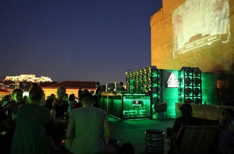 Μύρισε άνοιξη. Πού θα πιούμε τα πρώτα ποτάκια στις ταράτσες της Αθήνας;