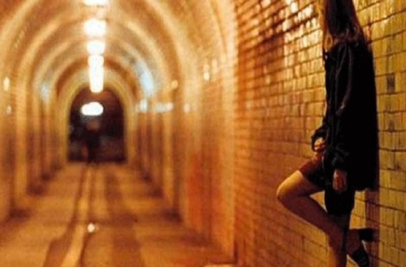 Στοιχεία που σοκάρουν: 35 στις 100 ιερόδουλες είναι Ελληνίδες - Ακόμη και για 5 ευρώ εκδίδονται