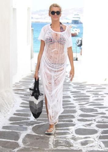 Διαθέτει ένα από τα πιο εντυπωσιακά κορμιά της ελληνικής showbiz. Ο λόγος  για την Σάσα Σταμάτη η οποία αναστάτωσε την Μύκονο πέρυσι με τις εμφανίσεις  της με ... dbd90231d2b