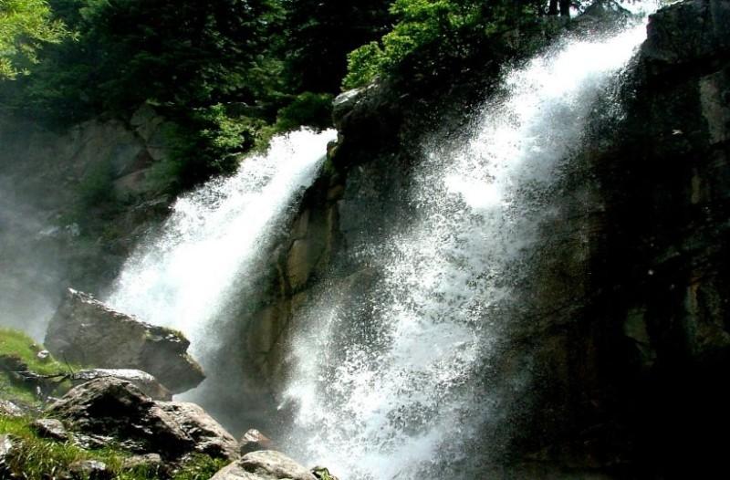 Θεοδώριανα: Η «πρωτεύουσα του νερού» που αναδύεται μέσα από τα Τζουμέρκα! (photos+video)
