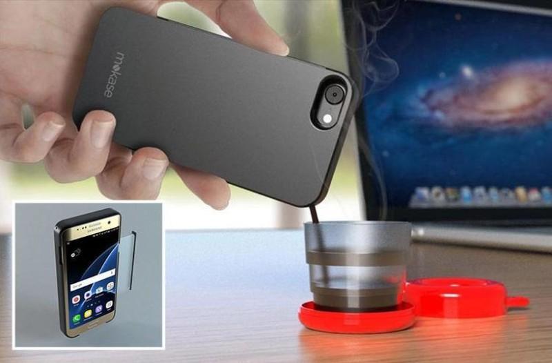 Πλάκα κάνεις: Η θήκη κινητού που φτιάχνει... καφέ! (video)