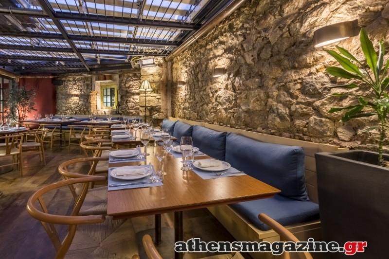 Mono: Το wine restaurant στην Πλάκα που δίνει άλλον «αέρα» στην ιστορική συνοικία (Photos)