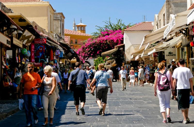 Αυτά είναι τα πράγματα που αγαπούν και μισούν οι τουρίστες στην Ελλάδα! (video)