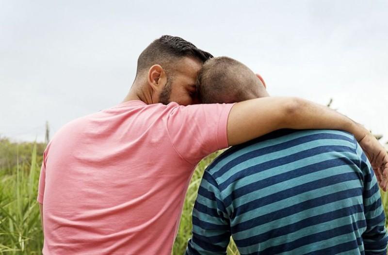 Πώς οι ομοφυλόφιλοι άνδρες κάνουν σεξ με τις γυναίκες