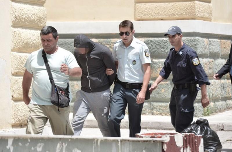 Μας δουλεύουνε: Ελεύθερος ο Ρομά που πυροβολούσε την ώρα που έπεφτε νεκρός ο 11 χρόνος!