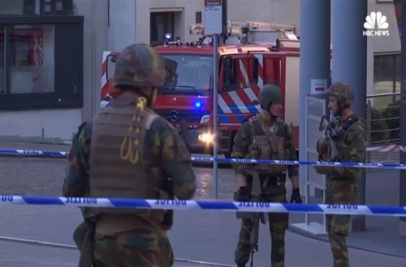 Αυτός είναι ο άνδρας που προσπάθησε να ανατιναχτεί στις Βρυξέλλες! (photos)