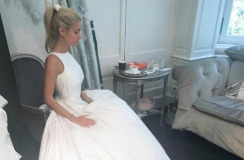 cc3f4e18319e Η προετοιμασία της Δούκισσας πριν από τον γάμο και το υπέροχο νυφικό από  την Celia Kritharioti