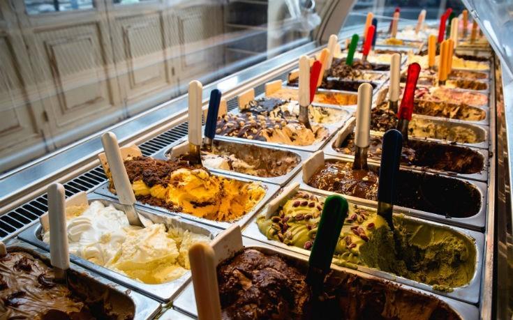 Τα καλύτερα μαγαζιά της Αθήνας για να απολαύσετε τι πιο δροσιστικό παγωτό!(photo)