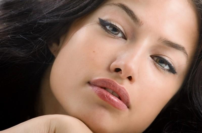 Θέλεις να αποκτήσεις φυσικά σαρκώδη χείλη; Αυτό είναι το ιδανικό tip!