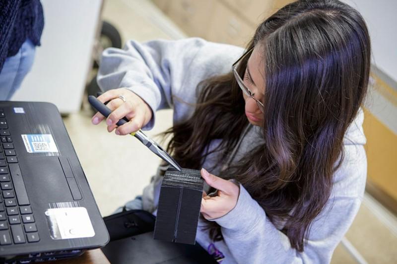 Μας έβαλαν τα γυαλιά  Έφηβες βραβεύτηκαν από το MIT για την ... 253a6dfcf38