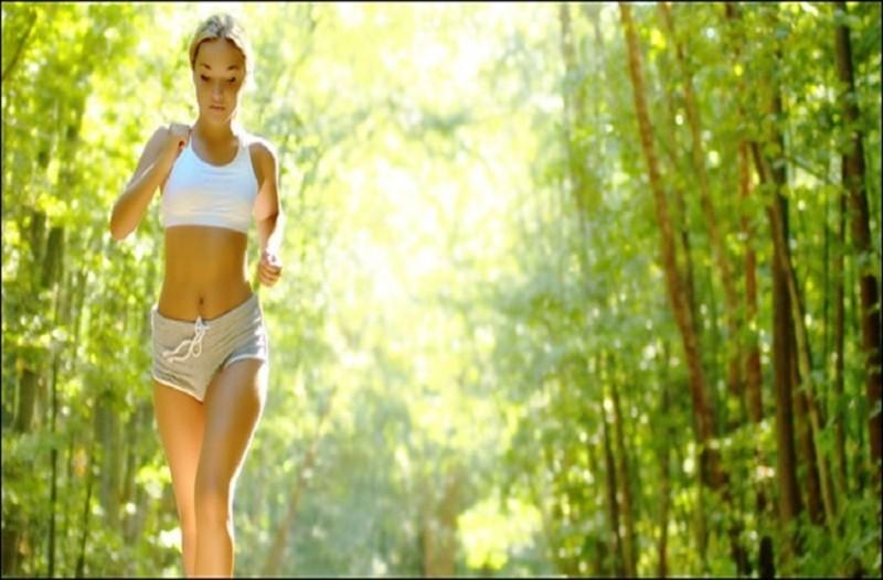 Η τέλεια γυμναστική για εσάς που βαριέστε! - 5 λεπτά μόνο αρκούν για να τρίβετε τα μάτια σας! (Video)