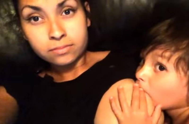 Χαμός στο διαδίκτυο: H μητέρα που θηλάζει τα παιδιά της ενώ κάνει... σεξ προκαλεί ξανά! (video)