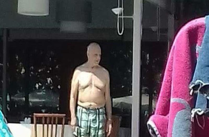 Ο Άκης Τσοχατζόπουλος αποφυλακίστηκε για λόγους υγείας και απολαμβάνει τις βουτιές του σε ιδιωτική πισίνα! (photos)