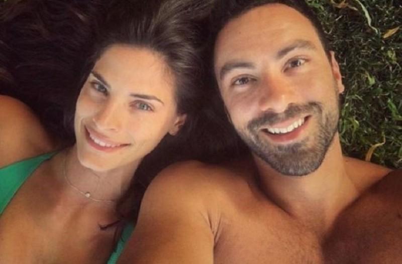 Το ρομαντικό μήνυμα του Σάκη Τανιμανίδη στην σύντροφό του και η τρυφερή φωτογραφία!