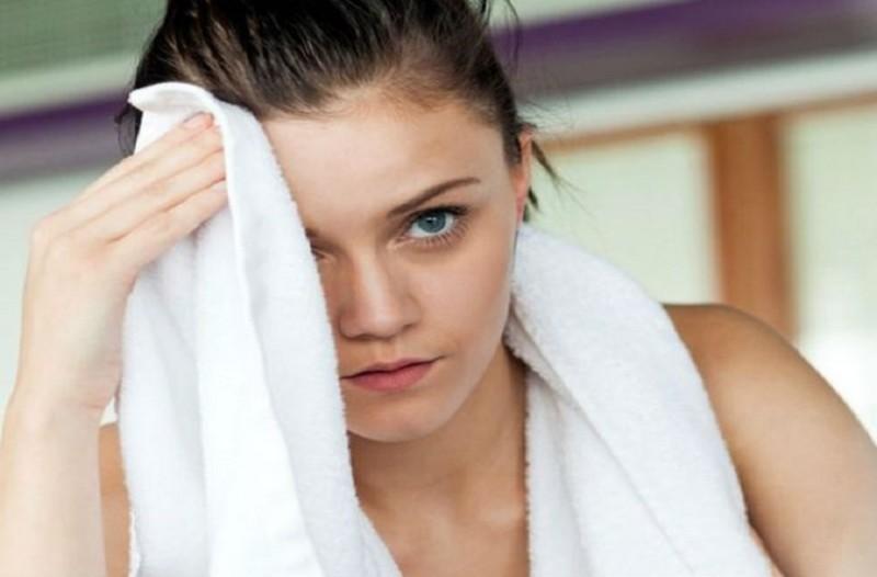 Υπερβολική εφίδρωση; - Εύκολες συμβουλές που θα σε βοηθήσουν να το περιορίσεις!