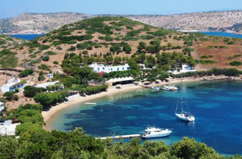 Τα 12 πιο όμορφα ελληνικά νησιά που όμως έχουν τους λιγότερους κατοίκους! (Photos)