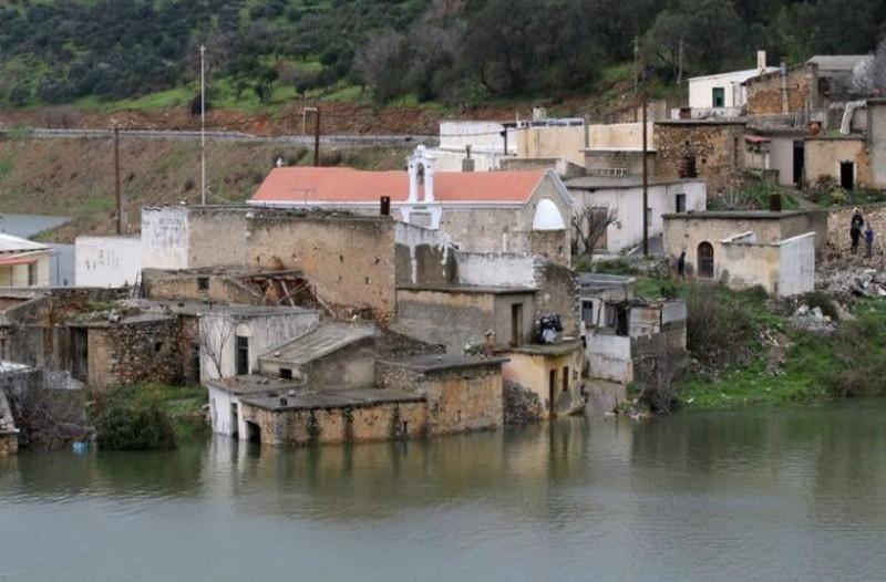 Απίστευτο video με χωριό που βυθίζεται στην Κρήτη!